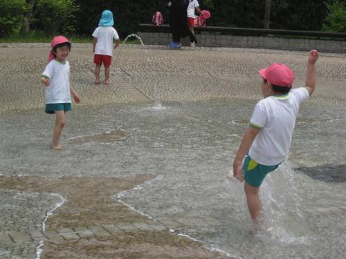 遠足 水遊び (2).JPGのサムネイル画像