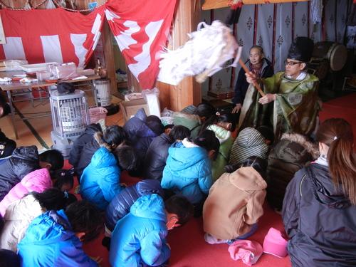 H29 稲荷神社小正月1のサムネイル画像