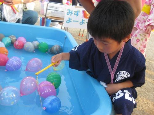 H29 夏まつり 水ヨーヨー.jpgのサムネイル画像