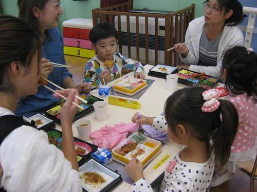 給食試食会2のサムネイル画像