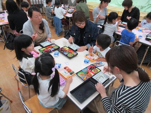 2019うさぎ組給食参観1.JPGのサムネイル画像