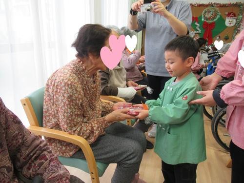 2019クリスマス愛の家 (4).JPGのサムネイル画像